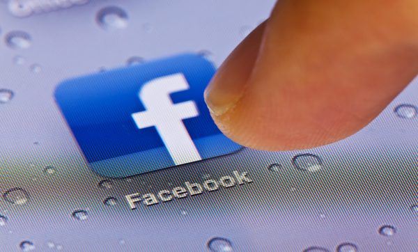 large_facebook-obsession-and-the-anguish-of-boredom